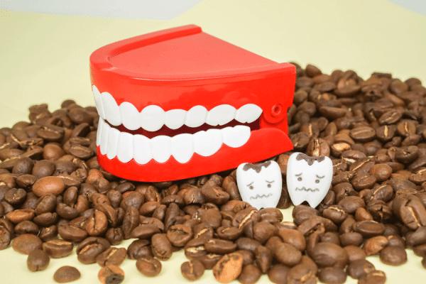 زرد شدن دندان بعد از قهوه